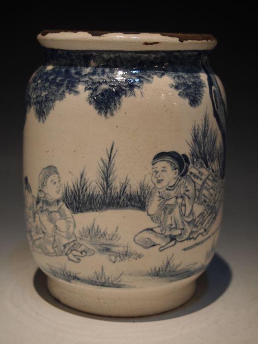京オランダ 白釉藍彩唐人文アルバレロ