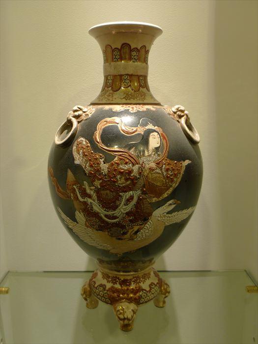 薩摩 色絵天女文花瓶