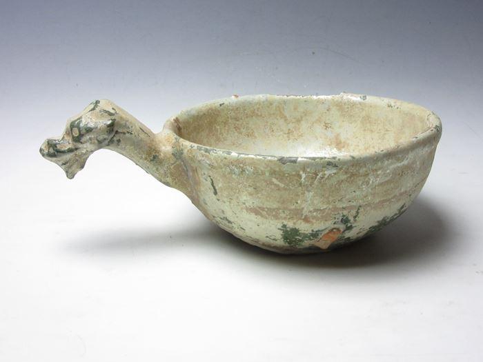 中国 漢緑釉龍首杯