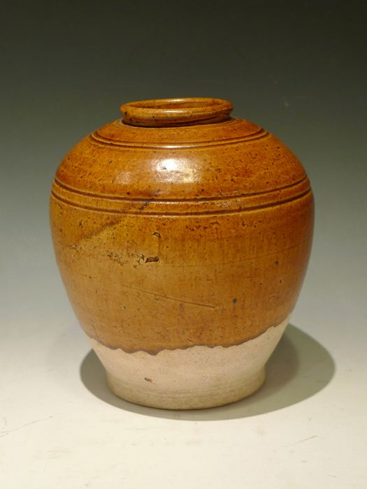 唐 褐釉壷