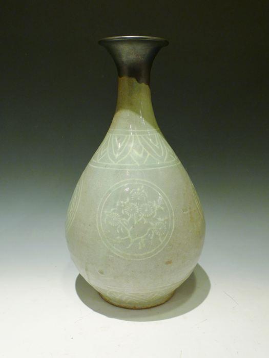 高麗 青磁象嵌柳文花瓶